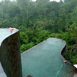 1. Hanging Gardens Spa - Infinity Pool - 10 Unforgettable Bali Instagram Moments