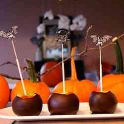 10. Darkly Delicious Apples - 10 Spooky Recipes For Healthy Halloween Treats