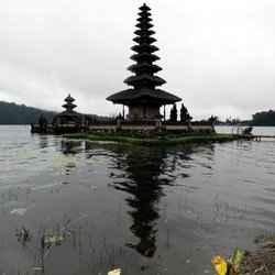 10. Pura Ulun Danu Bratan - 10 Unforgettable Bali Instagram Moments
