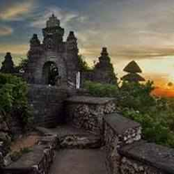 7. Uluwatu Temple - 10 Unforgettable Bali Instagram Moments